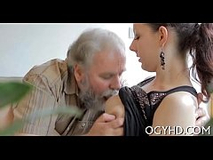 Young babe licked by an old guy-240p