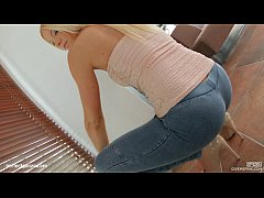 Givemepink Stunning blonde with a perfect natur...