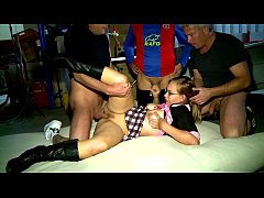 AMATEUR Geiler Gang Bang in Garage - Erotic Pla...