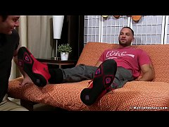 Julian Knowles has his feet worshipped by Cameron Kincade