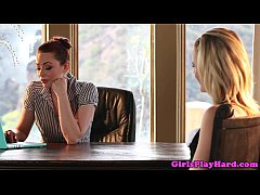 Office lesbian babes in oral feast