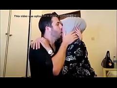 cewek jilbab cantik kencan sama bule, full >> h...