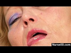 Filthy mature lady toys her hairy pussy with sp...