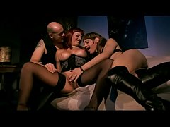Very hot threesome with the big boobs of Asia D...