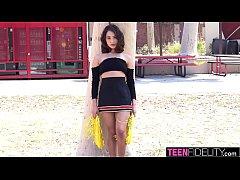 TEENFIDELITY Horny Cheerleader Isabella Nice Ti...