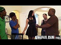 Mofos - Milfs Like It Black - Bianca Breeze - P...