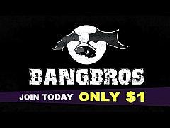 BANGBROS - Curvy Latin Camgirl Spicy J Plays Wi...