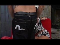 Katja Kassin & Sandra starten lesbisch und stürzen sich dann auf einen Schwanzträger