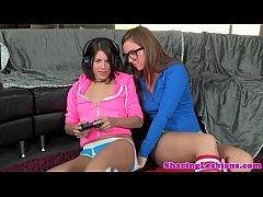 thumb gamer lesbian s  hyla jennings
