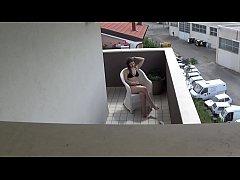 Spying my teen neighbour masturbating on her ba...