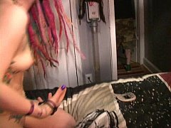 Horny harlots Scarlett And Lotus try to stuff f...