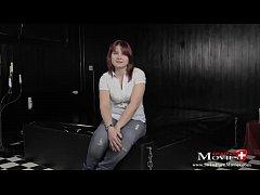 Porno Casting Interview mit Teeny Sklavin Leoni...