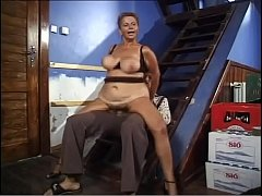 Hot mature woman with big boobs gets fucked by ...