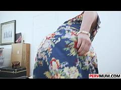 Stepsons Huge Cock In Sexy Krissy Lynn