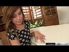Kylie talks her stepbrother into how to make he...