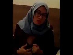 Skandal Cewek Jilbab Biru Cantik Toket Gede Check In di Hotel Terbaru 2019