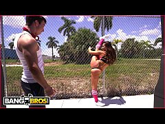 BANGBROS - PAWG Kelsi Monroe Taking Multiple Di...