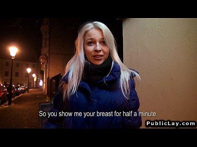 chicas follando con Sexy Czech masseuse fucking in her studio