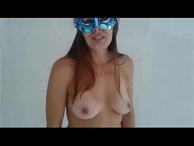 Raquel faz vídeo pelada para desejar boas festas aos clientes-raquelexibida.net