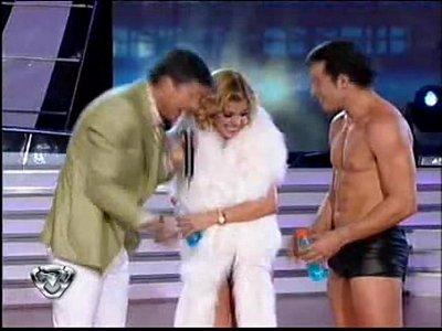 Virginia Gallardo - Bailando 2010 - Strip Dance