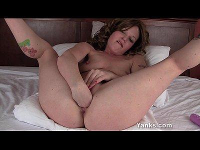 Cute Lori Fisting Her Pussy