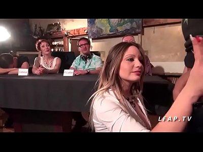 Casting porno amateur jolie babe francaise aux gros seins bien defoncee