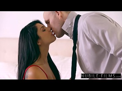 chicas follando con Super Sexy Gina Valentina Seduces Moms Boyfriend