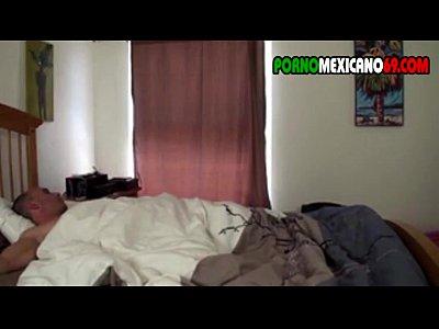 despertando a mi sobrino con una mamada mexicana