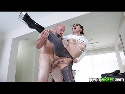 Jmac drilled Jezebeths oily hole so savage!
