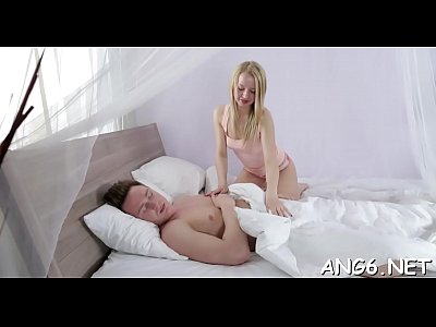 Babe delights guy with her sensational cock riding skills