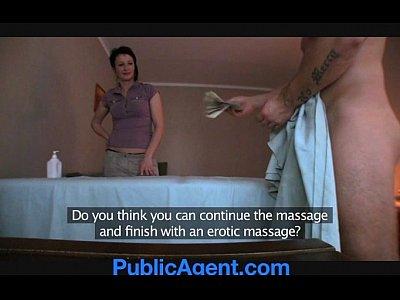 placer sexual en PublicAgent Fucking the Masseur MILF