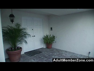 AdultMemberZone - Milf Darryl Hanah Randomly Fucks A Stranger