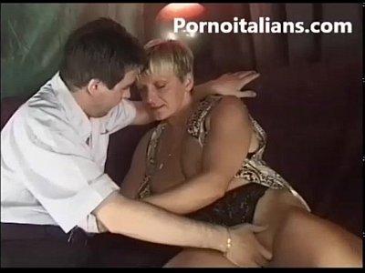 MATURE BLOWJOB - mamma italiana mommy mom