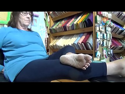 Mature Wrinkled Soles Feet