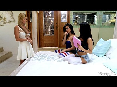 Natalie Monroe, Veronica Rodriguez and Lisa Daniels at Mommy's Girl