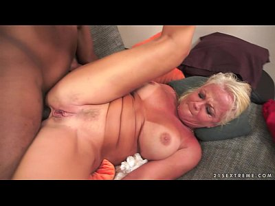 xxx video en Amazing Interracial Granny Anal Fuck