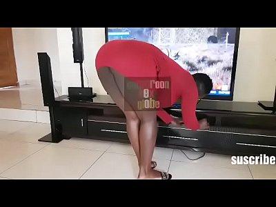 Une jeune ménagère abusée par son patron