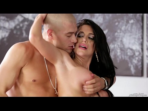 Your hubby is right here…He is sleeping! – Jaclyn TaylorXXX Sex Videos 3gp
