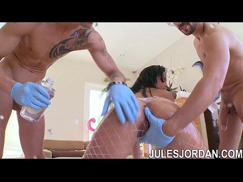 Jules Jordan - Abella Anderson Gets An Oil Change
