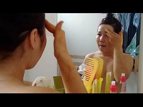 em Tram 18 tuoi Hau Giang bi lo clip tran truong 5