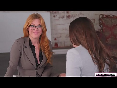 Hot sales agent assfucked by dyke client