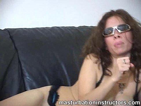 Amuter girls licking balls