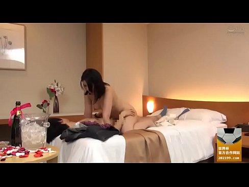 XVIDEO 巨乳ぽっちゃりお姉さんとホテルでハメ撮りセックス
