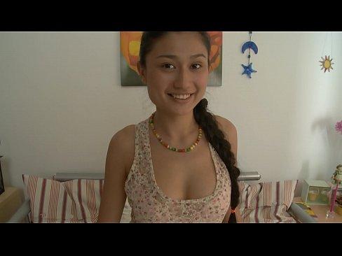 amateur girls naked pics danielle