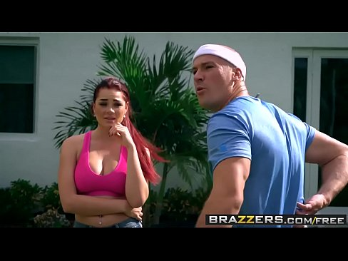 Brazzers – Dirty Masseur – An Athletes Touch scene starring Skyla Novea and Sean Lawless