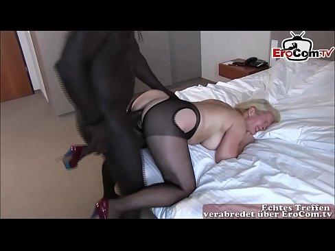 Deutsche reife Hausfrau macht anal mit mega wechseln schwanz privat
