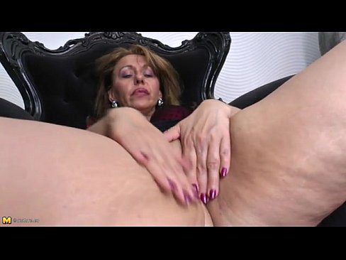 Hot milf female masturbation