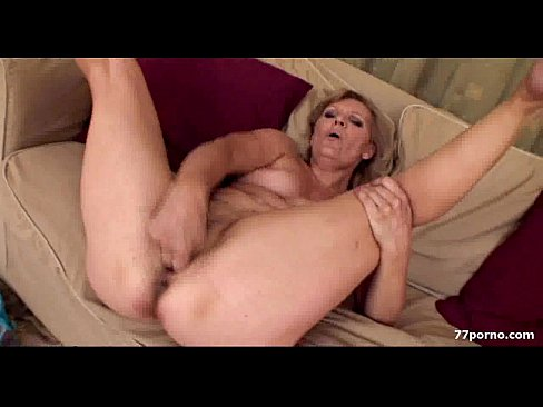 Solo licking pinupfiles first time