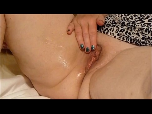 Chubby mature squirts (great view)