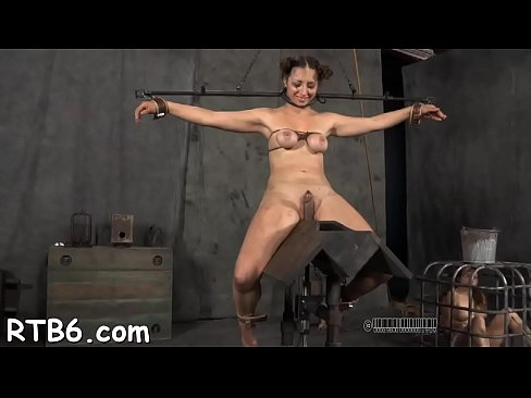 Upside down babe gives blow job
